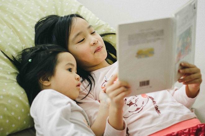 Chuyên gia hướng dẫn cách rèn luyện thói quen thích đọc sách cho trẻ - Ảnh 3