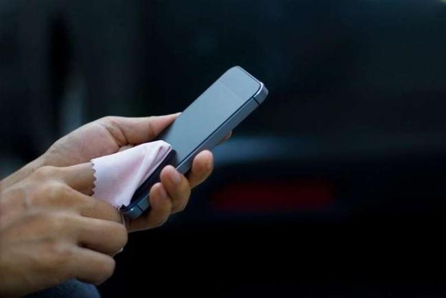 Phòng, chống dịch Corona: Làm sạch smartphone thế nào cho đúng? - Ảnh 1