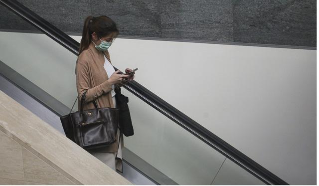 Phòng, chống dịch Corona: Làm sạch smartphone thế nào cho đúng? - Ảnh 2