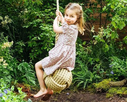 Tại sao cha mẹ 'lười' giúp trẻ vào đời dễ dàng hơn? - Ảnh 1