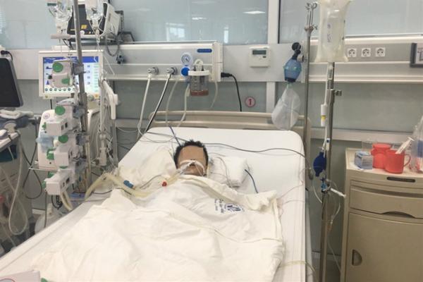 'Nóng' nhất tuần qua: Rắn độc bủa vây chung cư mới ở Hà Nội, bé 27 tháng tuổi nguy kịch vì tự ý dùng thuốc - Ảnh 1