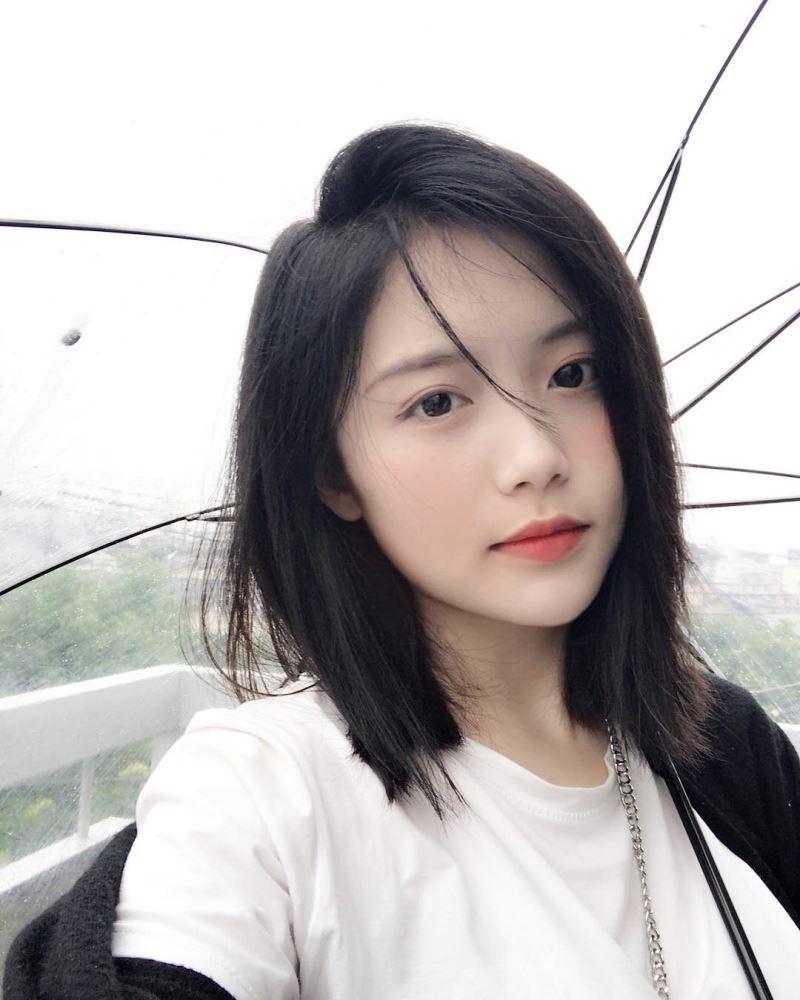 Tóc lob thẳng tự nhiên là xu hướng tóc hot nhất mùa hè 2019