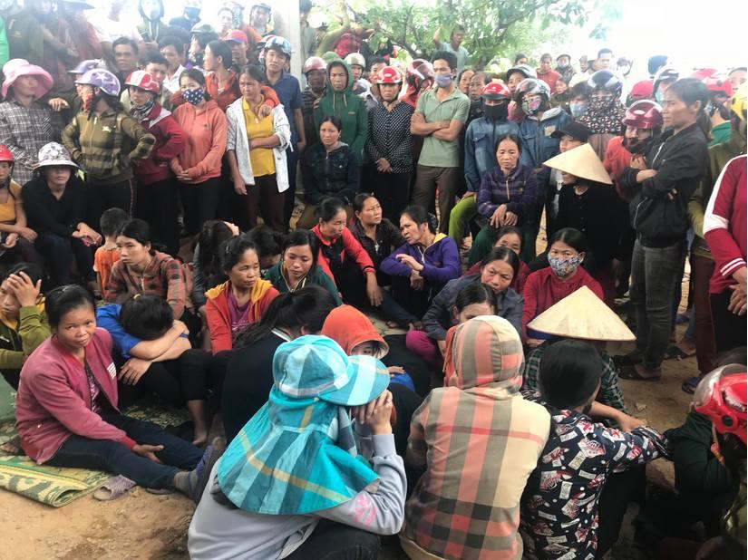 4 người treo cổ tự tử ở Hà Tĩnh: Khoản nợ 70 triệu đồng và 300.000 đồng tiền lãi mỗi ngày - Ảnh 1