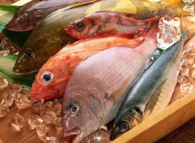 Mẹo phân biệt cá tươi và cá ươn - Ảnh 1