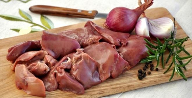 Gan lợn là thực phẩm quen thuộc trong bữa ăn hàng ngày, được chế biến thành nhiều món ngon hấp dẫn
