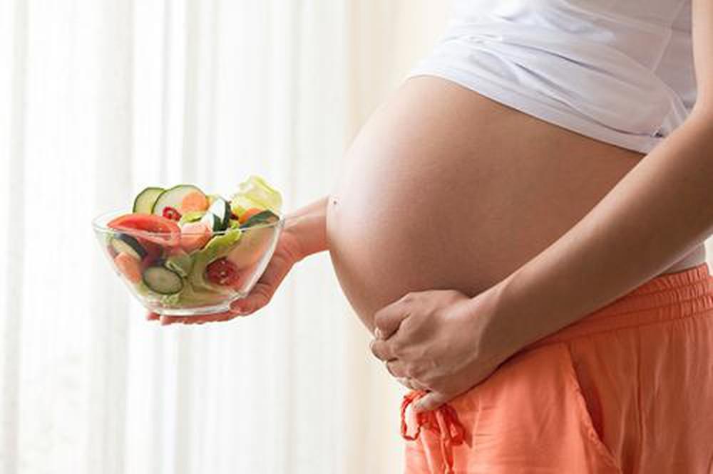Những thực phẩm phụ nữ mang thai cần phải đề phòng - Ảnh 3
