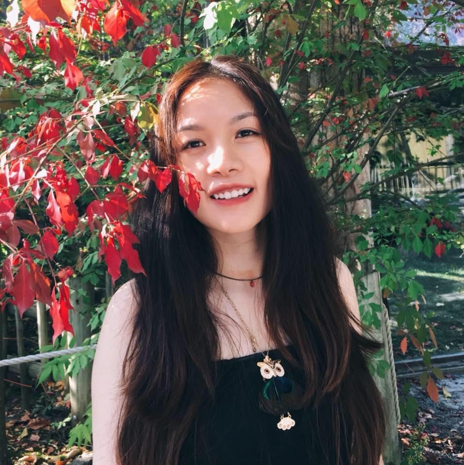 Hàng ngày, chị Thu Trang luôn tìm tòi, học hỏi để nấu món Việt chiêu đãi cả nhà