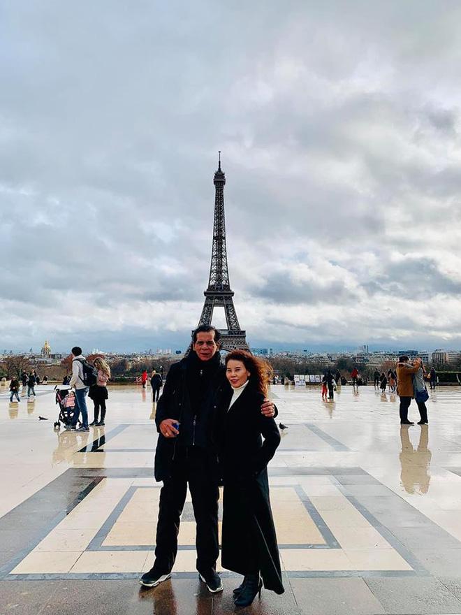 Kim Lý - Hà Hồ hạnh phúc đưa đại gia đình sang Pháp đón Giáng sinh - Ảnh 4