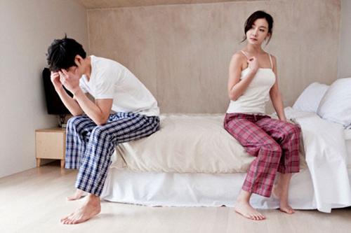 Cay cú vì vợ đưa yêu sách mặc cả chuyện gối chăn - Ảnh 2