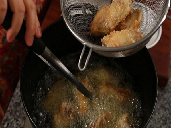 Cuối tuần, làm cánh gà rán kiểu Hàn thơm ngon giòn rụm đãi cả nhà - Ảnh 8