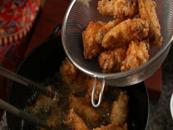 Cuối tuần, làm cánh gà rán kiểu Hàn thơm ngon giòn rụm đãi cả nhà - Ảnh 9