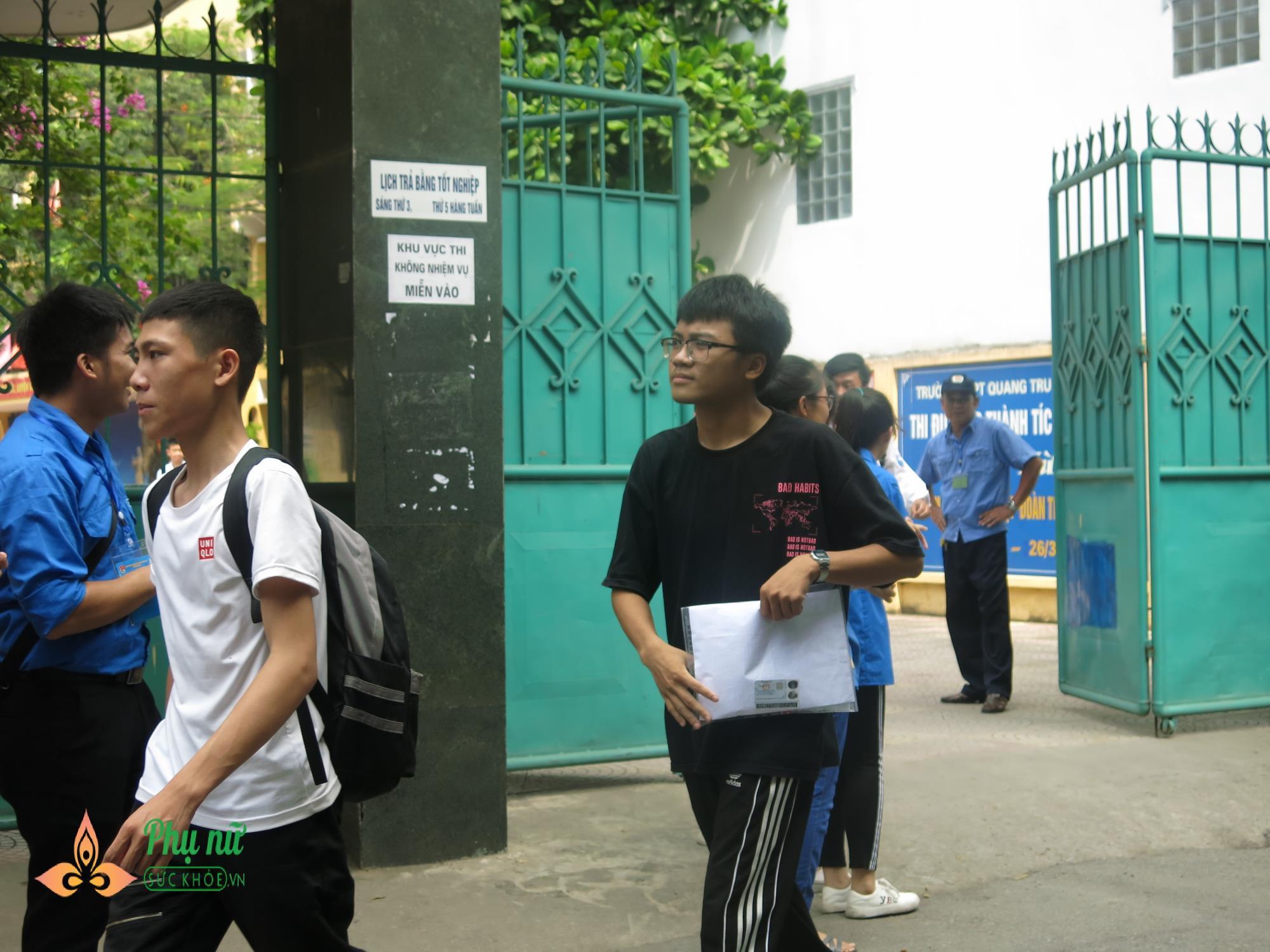 Đình chỉ thí sinh và giám thị ở Phú Thọ để 'lọt' đề thi văn lên MXH - Ảnh 2