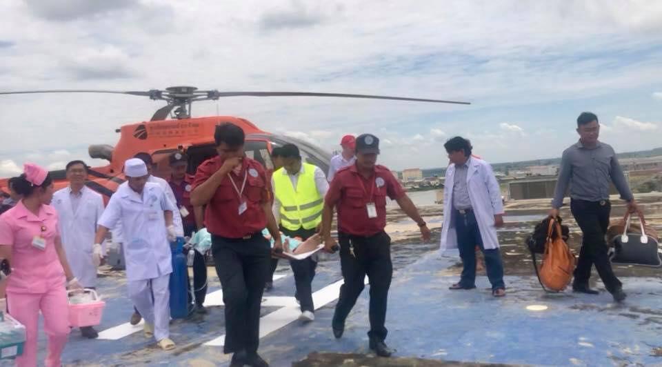 Bệnh nhân Campuchia thuê trực thăng chở tới Bệnh viện Chợ Rẫy – Phnôm Pênh chữa bệnh - Ảnh 2