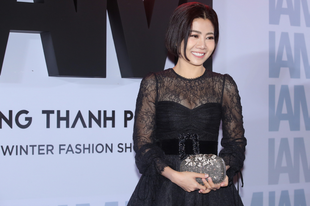 Quỳnh Anh diện đầm xẻ bạo sexy, đối lập 'đối thủ' Bảo Anh 'kín cổng cao tường' - Ảnh 3