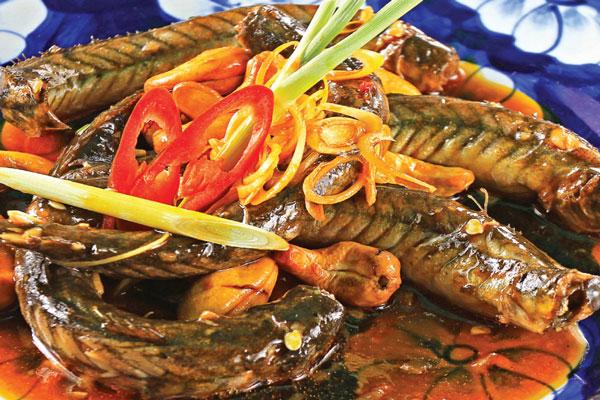 Món cá chạch hầm hạt hẹ có tác dụng tăng cường ham muốn tình dục và chữa bệnh liệt dương