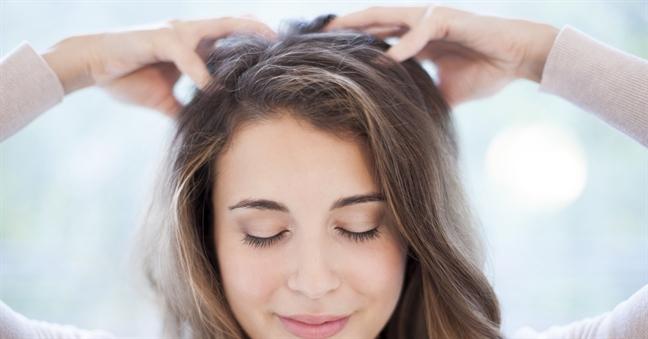 Trị rụng tóc bằng tinh dầu massage và dầu gội thiên nhiên tự chế - Ảnh 4