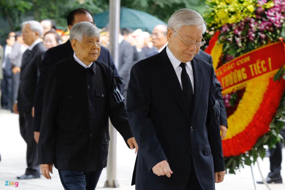 Tổng bí thư cùng các lãnh đạo viếng Chủ tịch nước Trần Đại Quang - Ảnh 4