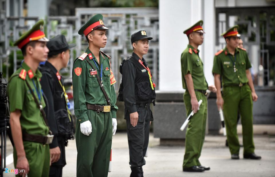 Tổng bí thư cùng các lãnh đạo viếng Chủ tịch nước Trần Đại Quang - Ảnh 2