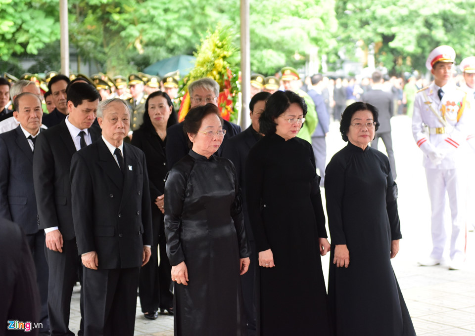 Tổng bí thư cùng các lãnh đạo viếng Chủ tịch nước Trần Đại Quang - Ảnh 6