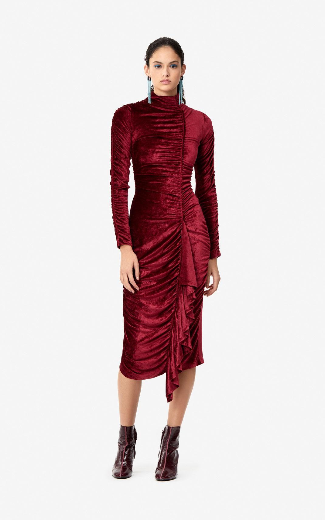 'Đụng hàng' một chiếc váy với Kỳ Duyên, Minh Tú chứng minh không phải vòng 1 'ngồn ngộn' là tỏa sáng - Ảnh 3