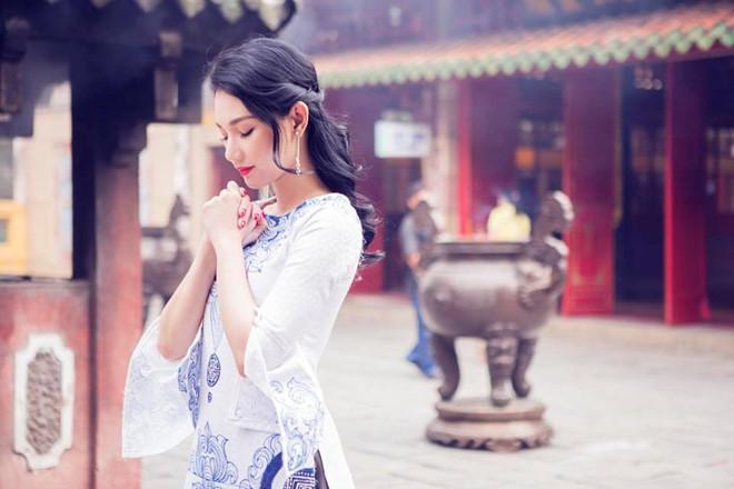 Cần chọn trang phục kín đáo, nhã nhặn để đi chùa