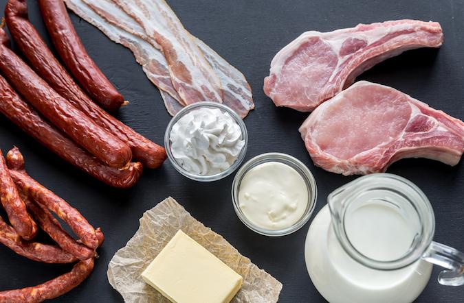 Những người dễ mắc bệnh tim mạch và cách phòng ngừa bằng thực phẩm - Ảnh 2