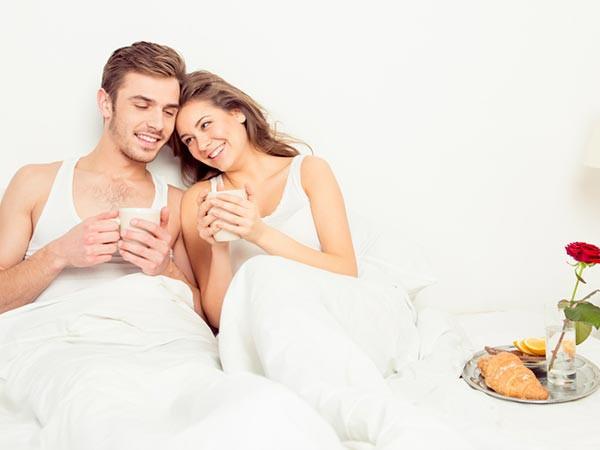 Quan hệ tình dục buổi sáng có những lợi ích bạn không ngờ đến - Ảnh 2