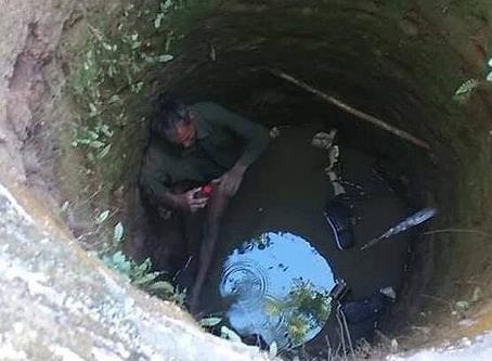 Người đàn ông bị mắc kẹt suốt 5 tiếng dưới giếng hoang ở Nghệ An - Ảnh 1