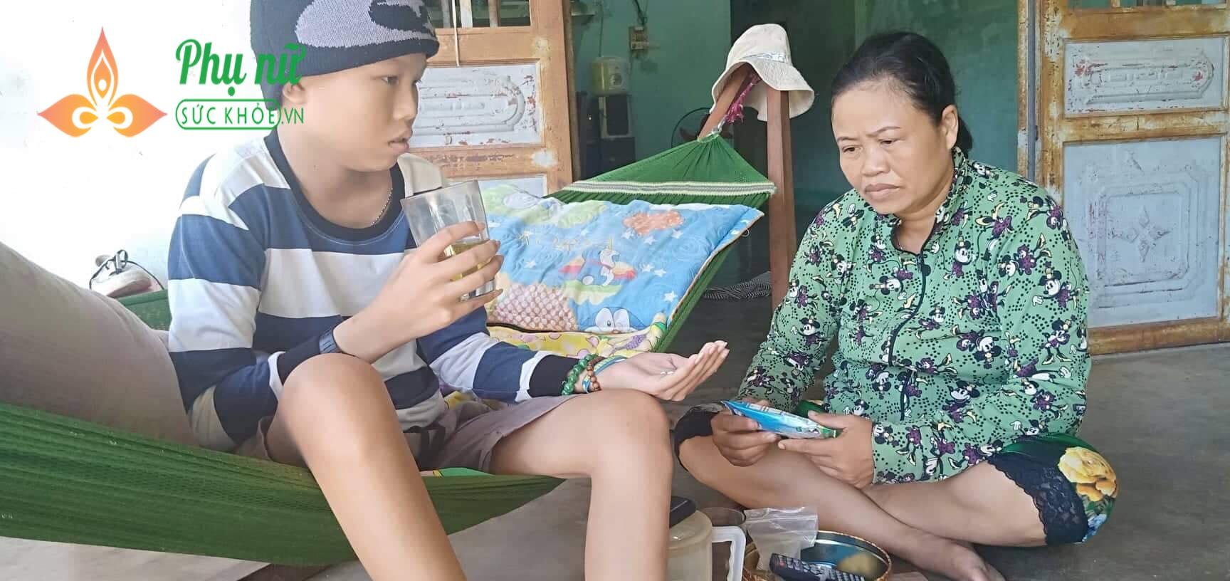 Tình cảnh nghiệt ngã của gia đình nghèo: Cha mất, mẹ bị u phổi, con mắc u não não ác tính đau đớn tột cùng - Ảnh 5