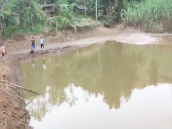 Phát hiện 2 bé trai 4 tuổi chết ở ao nước gần trường mầm non - Ảnh 1