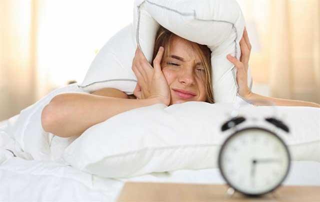 Đấu tranh ra khỏi giường mỗi sáng, có thể là dấu hiệu của căn bệnh nguy hiểm - Ảnh 2