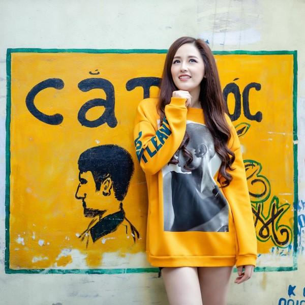 Sao Việt nổi bật với street style cuối năm: Mai Phương Thúy khoe chân dài với mốt giấu quần, Hà Tăng đẳng cấp khi diện maxi - Ảnh 7