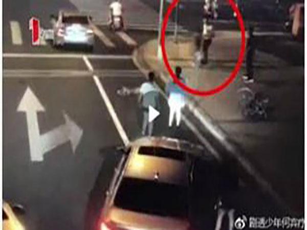 Trung Quốc: Xô xát, người đàn ông bị giết chết trên đường - Ảnh 1