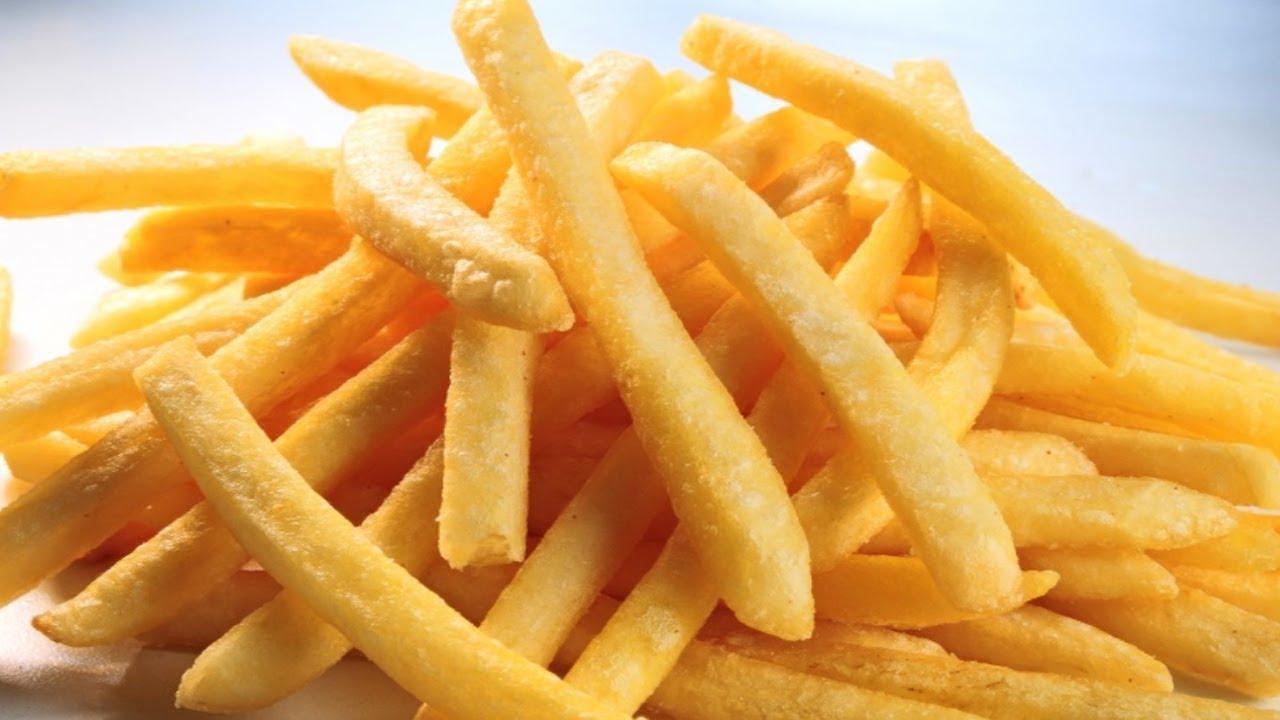 Rượu kết hợp với khoai tây chiên sẽ khiến cơ thể sản sinh raenzym thúc đẩy sự hấp thụ chất béo