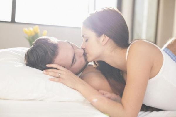 Thời điểm chồng mong muốn chuyện ấy, chị em hiểu được thì hôn nhân không sợ ngày tàn - Ảnh 2