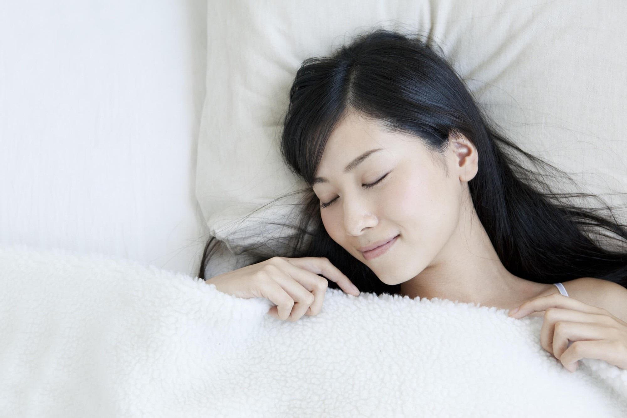 Uống nước đậu đỏ rang mỗi ngày để cải thiện sức khỏe và dễ ngủ hơn