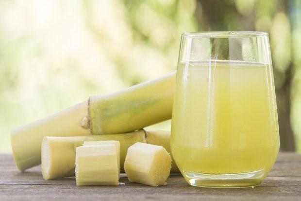 Nước mía là thức uống giải khát quen thuộc của người Việt