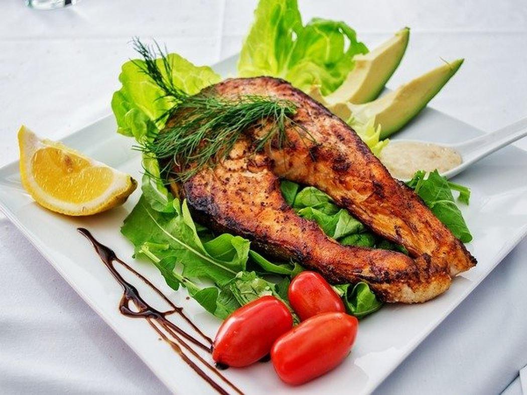 10 lợi ích nếu bạn thường xuyên ăn cá - Ảnh 1