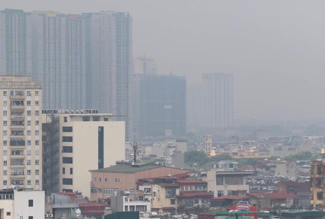 Ô nhiễm không khí mức báo động, hàng loạt bệnh nhân da liễu 'cầu cứu' bác sĩ - Ảnh 1
