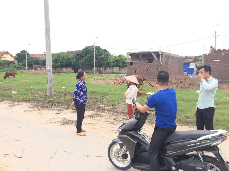 Vụ bé trai 7 tuổi bị chó cắn tử vong ở Hưng Yên: 'Tôi hét khản cả tiếng nhưng đàn chó không hề bỏ chạy' - Ảnh 1