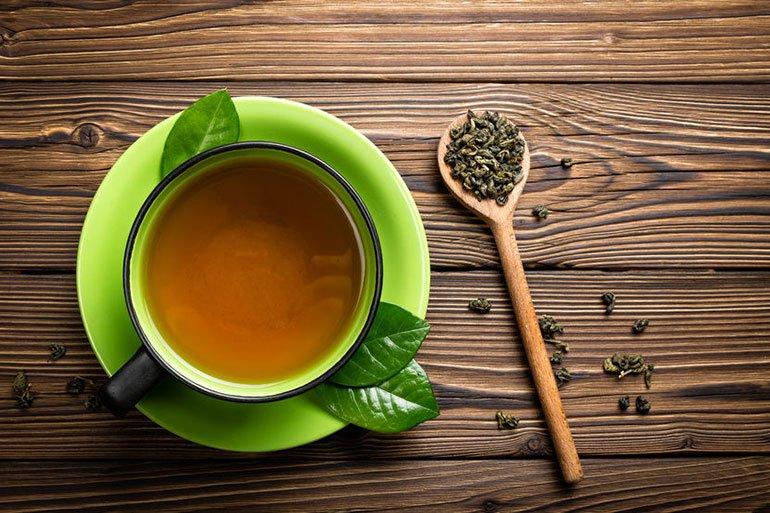 Hàm lượng chất chống oxy hóa cao trong trà xanh sẽ giúp giảm bài tiết oxalate trong nước tiểu