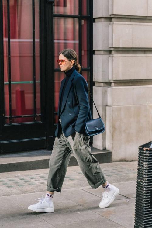 Mách bạn 3 cách phối đồ với quần túi hộp nữ đang 'gây sốt' mùa đông năm 2019 - Ảnh 3