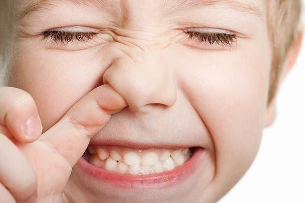 Bé chảy máu cam: Dấu hiệu nhiều bệnh cực kỳ nguy hiểm - Ảnh 1
