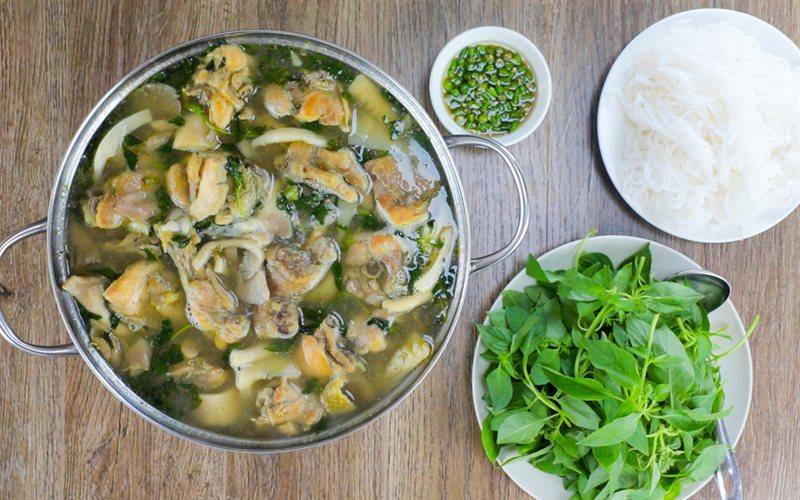 Ngán cơm, học ngay cách nấu lẩu gà lá é đổi vị bữa ăn - Ảnh 2