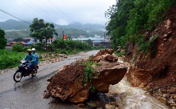 Dự báo thời tiết ngày 8/5: Bắc Bộ và Bắc Trung Bộ mưa to, nguy cơlũ quét, sạt lở đất ở vùng núi - Ảnh 1