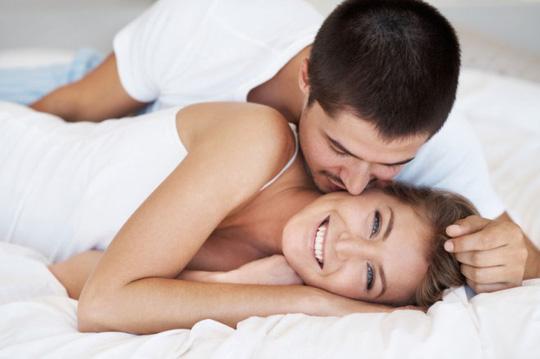 Khi đạt cực khoái, cơ thể sẽ giải phóng ra hormone giúp giảm đau hiệu quả