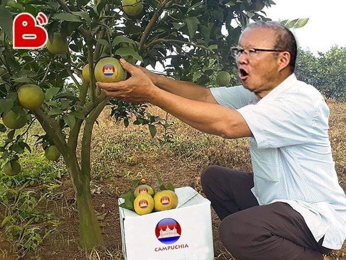 'Chết cười' với loạt ảnh chế sau trận Việt Nam - Campuchia: Thầy Park 'chóng mặt', Đức Chinh khiến thủ môn đội bạn 'giận tím người' - Ảnh 7