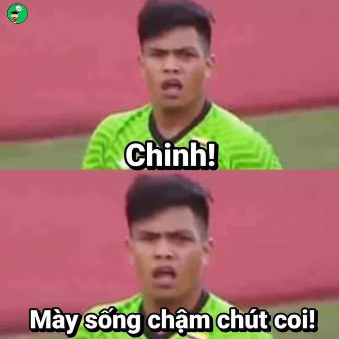 'Chết cười' với loạt ảnh chế sau trận Việt Nam - Campuchia: Thầy Park 'chóng mặt', Đức Chinh khiến thủ môn đội bạn 'giận tím người' - Ảnh 2