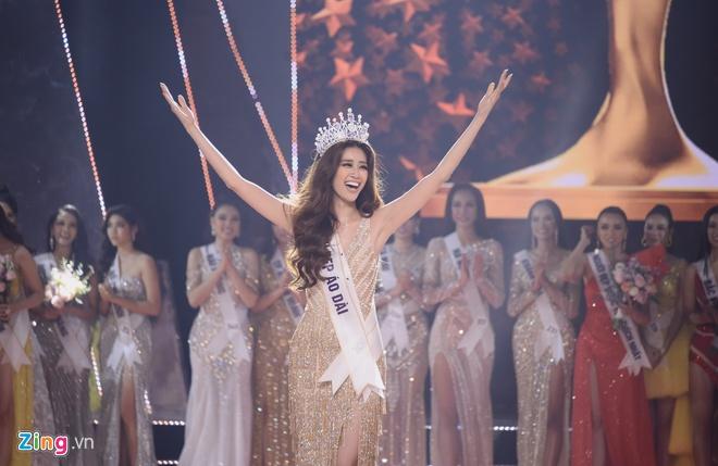 Hoa hậu Khánh Vân không ngại mặc hở trên phim - Ảnh 1