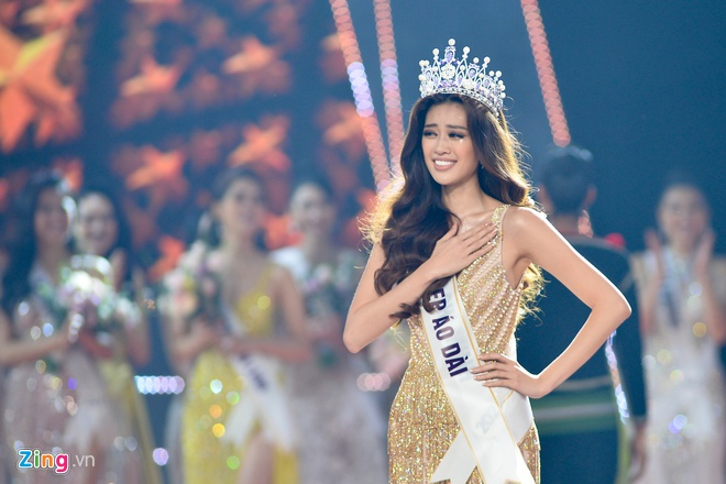 Hoa hậu Khánh Vân không ngại mặc hở trên phim - Ảnh 2